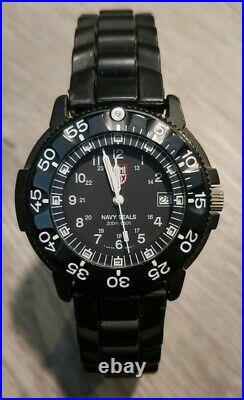 43mm Luminox Navy Seals Black Watch 3H MBM, 200M, Luminous dial, GREAT CONDITION