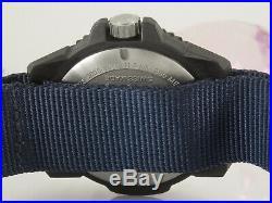 Luminox Master Carbon Navy Seal 3800-1GBq H-3LX textiles Armband Quarzwerk