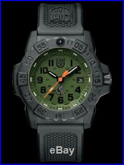 Luminox Navy Seal 3500 CARBONOX Green Dial Rubber Band Mens Watch XS. 3517. NQ. SET