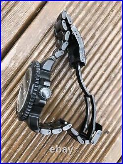 Luminox Navy Seals Watch Series 3152 BO Black Out Metal Bracelet Box