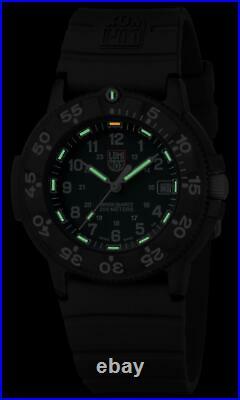 Luminox Original Navy SEAL 3000 Series Black Rubber Strap CARBONOX XS. 3001. F
