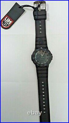 Luminox Original Navy Seal 3000 Series Blackout Mens Watch A3001. BO