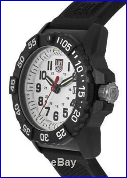 New Luminox Navy Seal White Dial Black Rubber Strap Men's Watch XS. 3507. L